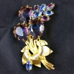 Lovely Rhinestone Floral Brooch Pin Hues o…